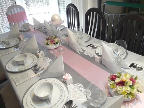 różowe dekoracje na Komunię dziewczynki