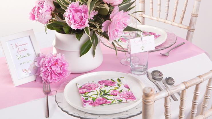 różowe dekoracje komunijne