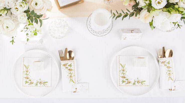 dekoracje komunijne jak dekorować stół komunijny