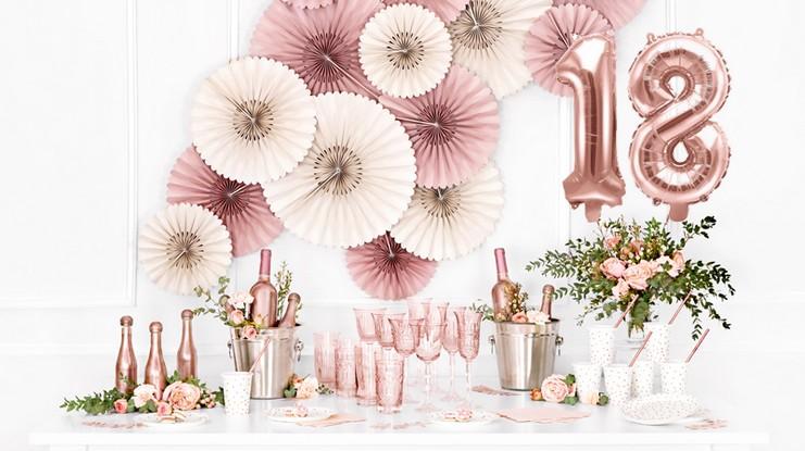dekoracje na 18 urodziny rosegold