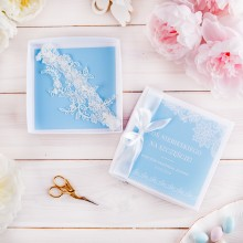 PREZENT dla Panny Młodej w pudełku PODWIĄZKA Błękitne Perełki LUX