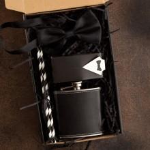 PREZENT na Kawalerski pudełko Z IMIENIEM Z piersiówką Frak LUX